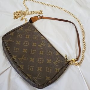 Authentic Louis Vuitton pochett accessories bag
